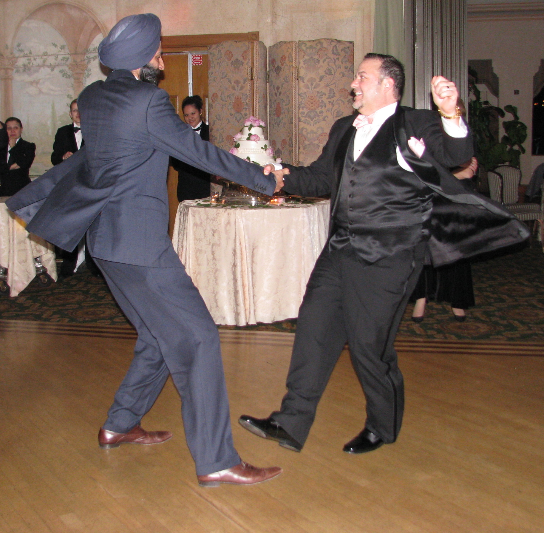 Rhode Island Wedding Dj Fun Rhode: Wedding DJs: How To Book The Right One For You