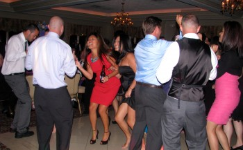 Create The Perfect Wedding Playlist With Your Rhode Island Wedding DJ